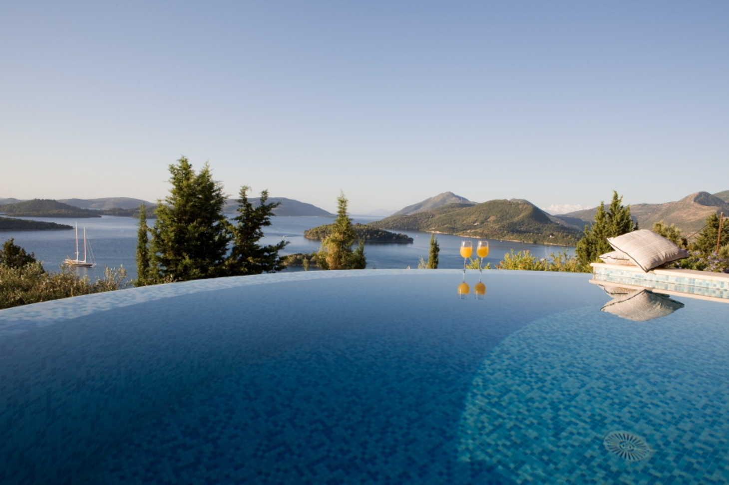 Luxury villa del sol with amazing views and a lefkada for Villas del sol